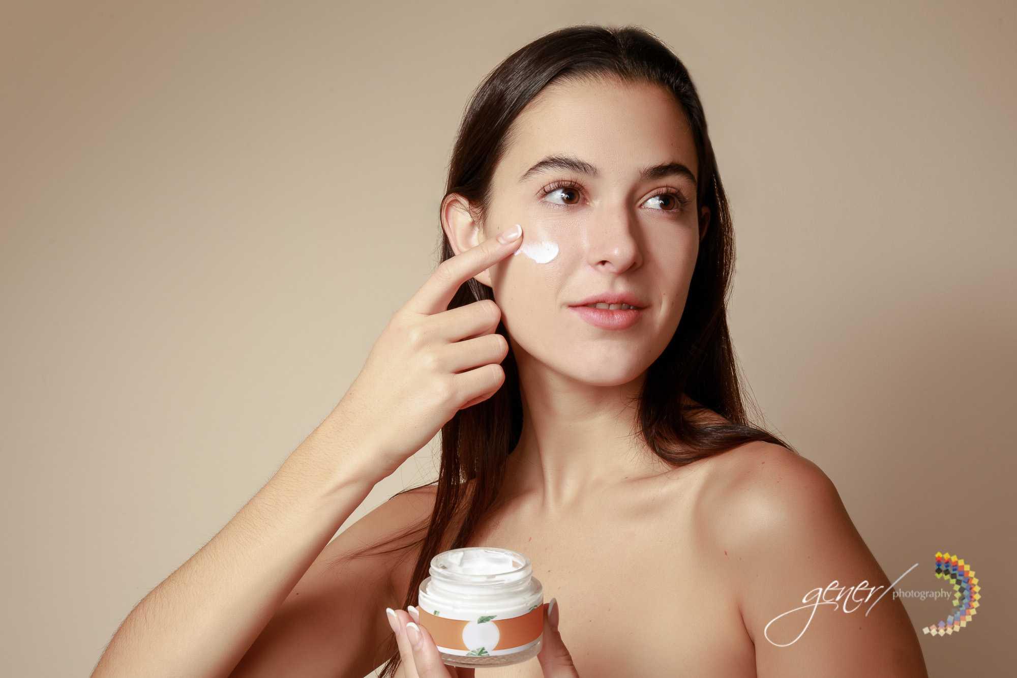 Fotografía publicitaria de producto para marca o empresa. Productos de belleza